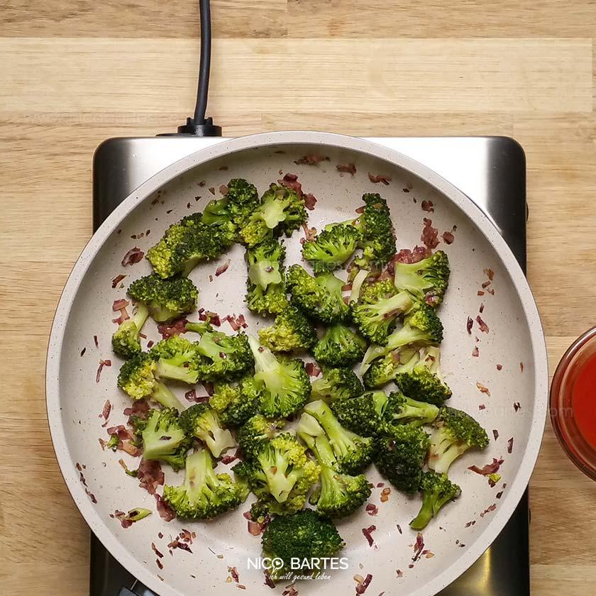 gesunder kartoffel brokkoli auflauf mit wenig kalorien nico bartes. Black Bedroom Furniture Sets. Home Design Ideas