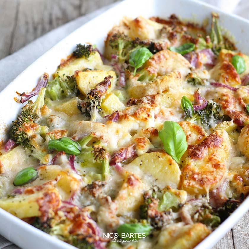 gesunder kartoffel brokkoli auflauf mit wenig kalorien nico bartes schnell abnehmen durch. Black Bedroom Furniture Sets. Home Design Ideas