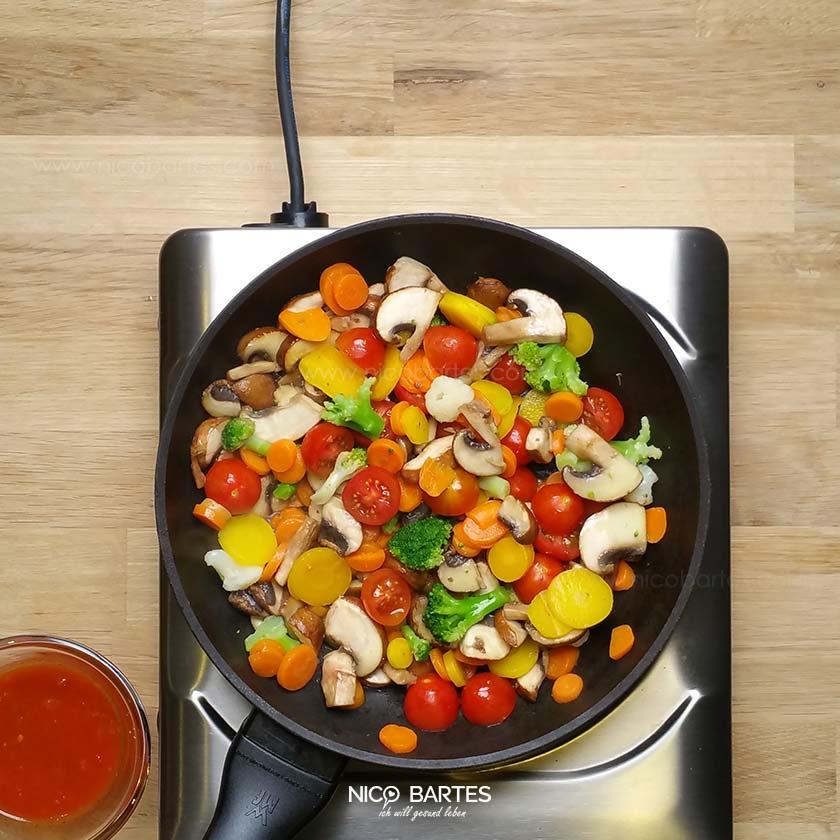 pikante low carb gem sepfanne mit wenig kalorien nico bartes schnell abnehmen durch gesunde. Black Bedroom Furniture Sets. Home Design Ideas
