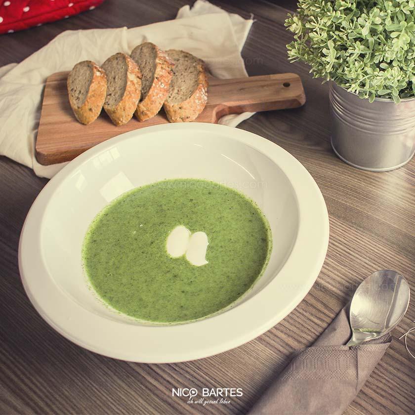 Gesunde Brokkolisuppe   Vegan & Cremig