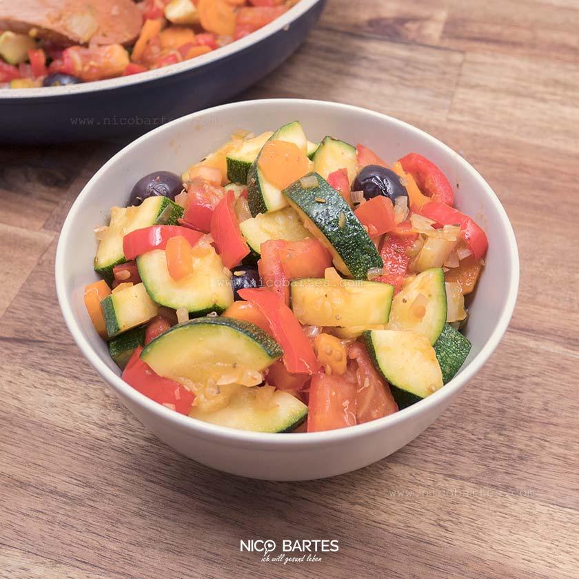 Gemüsepfanne | Das Low Carb Rezept mit Fenchel & Zucchini