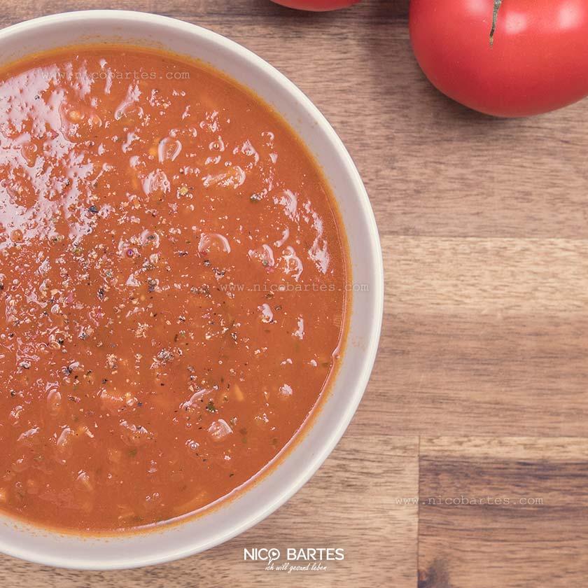 Schnelle Diät-Suppe mit Tomaten (Low-Carb)